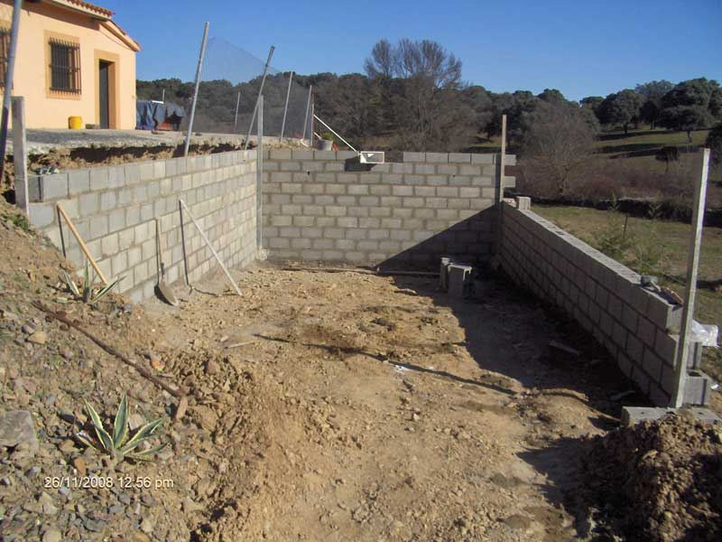Construccion de piscinas en hormigon gunitado waterplas for Construccion de piscinas climatizadas